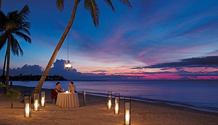 SEARM_RES_RomanticDinner_Beach_2