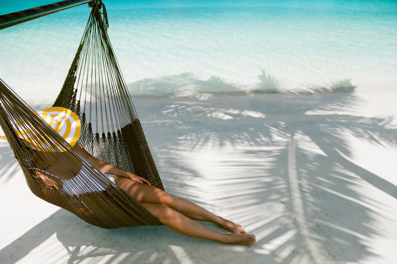 iStock-467904481-girl-in-hammock-min